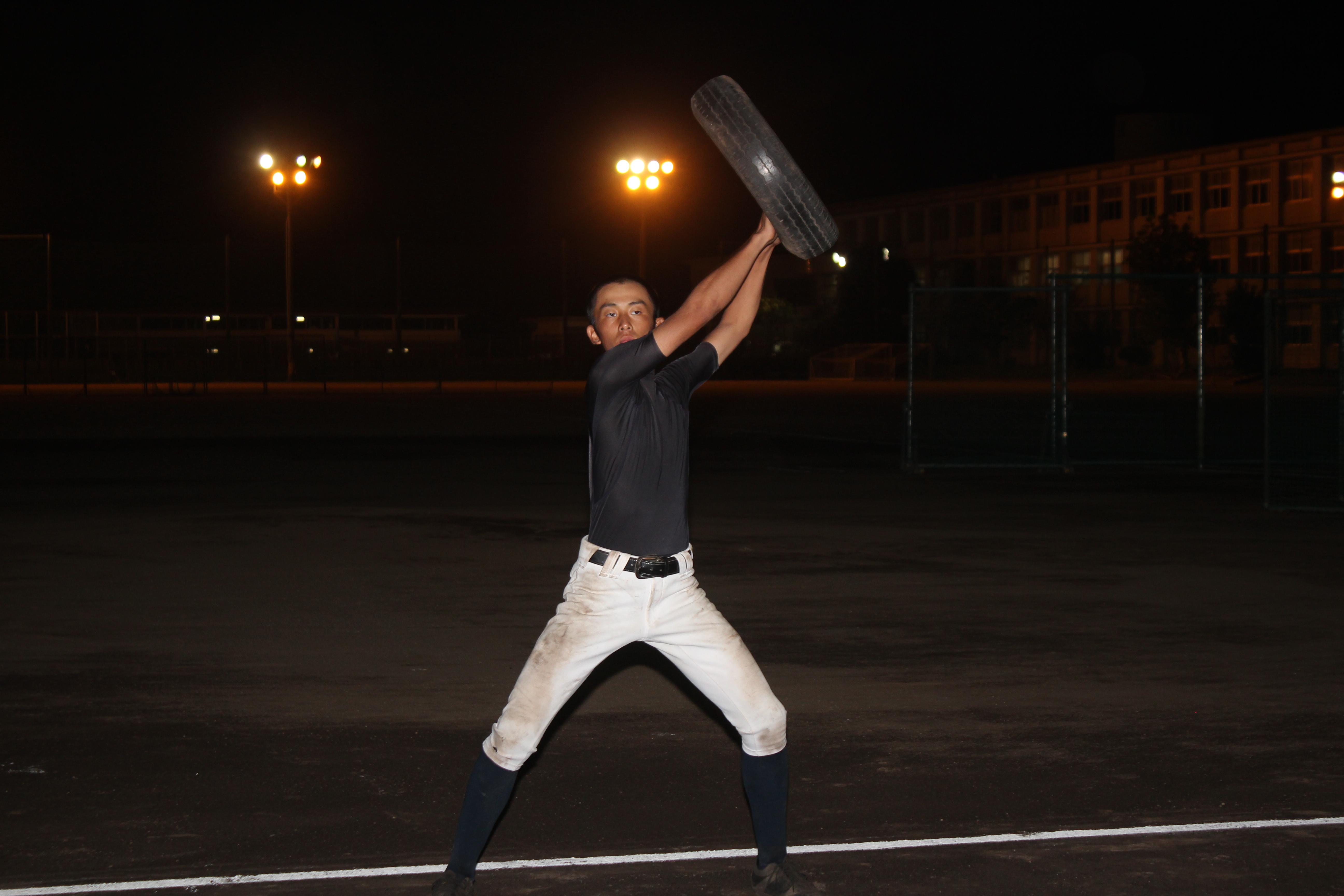 【浜松江之島 野球部】タイヤ投げで打撃の基礎を作る