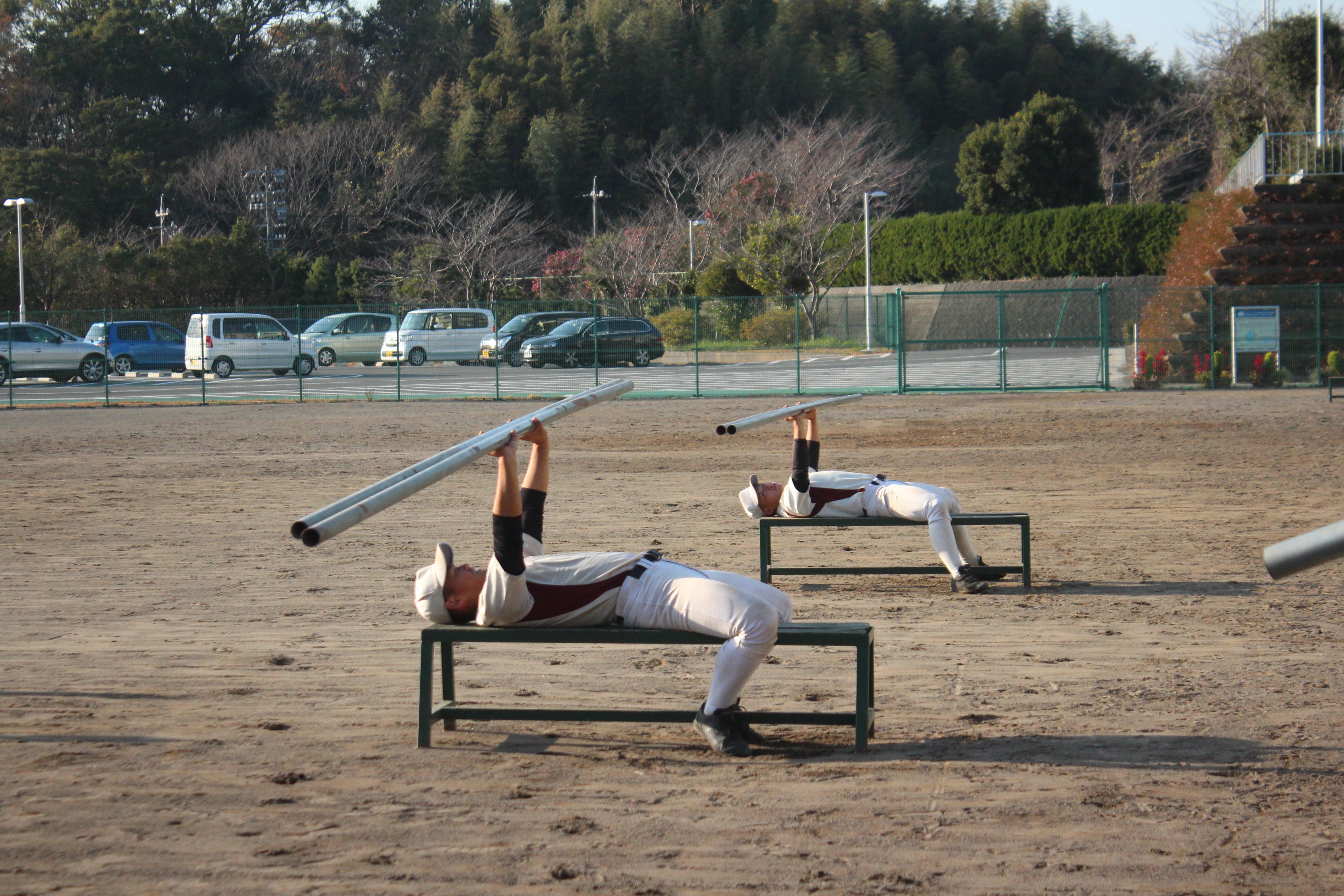 【城南静岡 野球部】鉄パイプを使ってパワーアップ