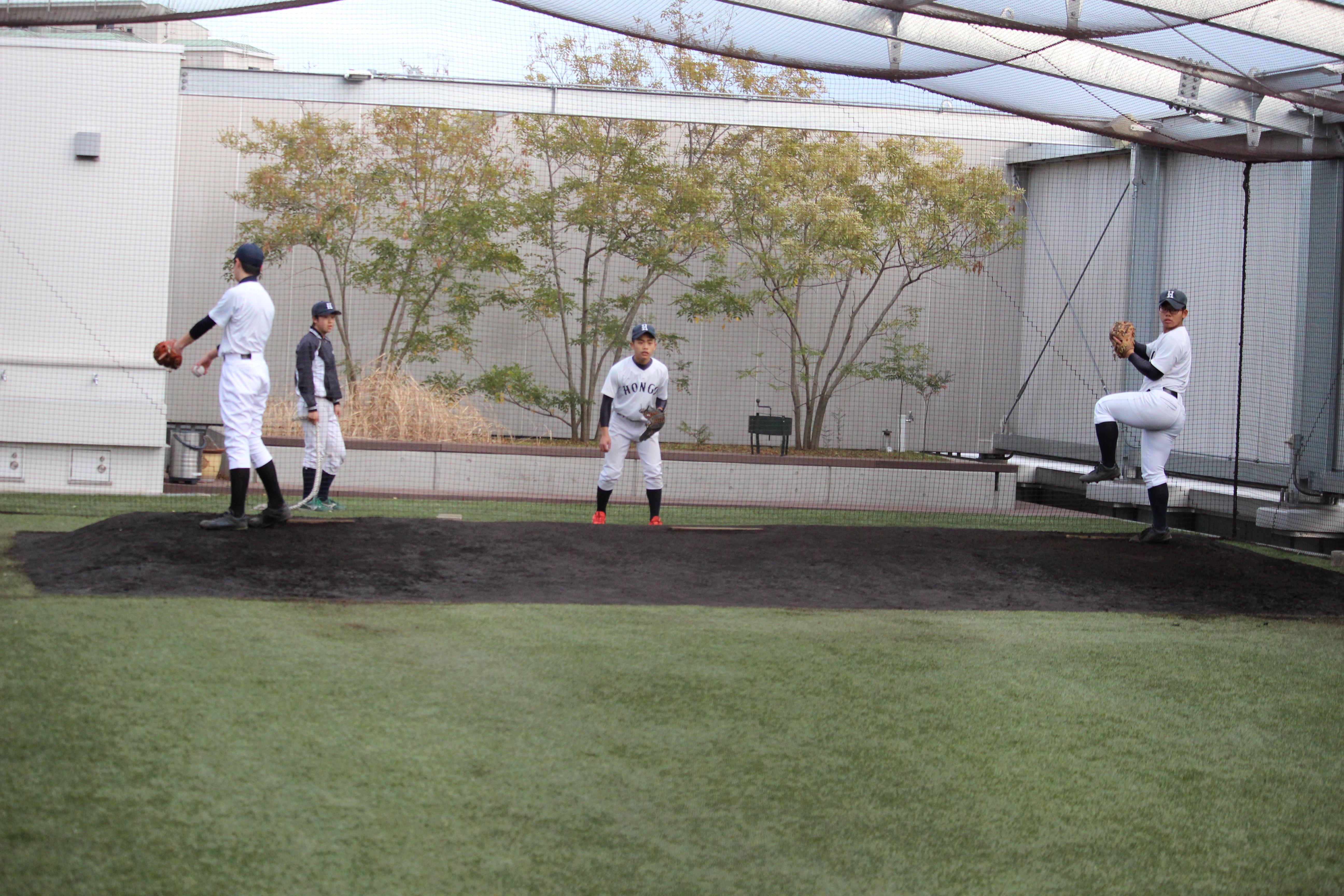 【本郷 野球部】投手を育てる屋上ブルペン