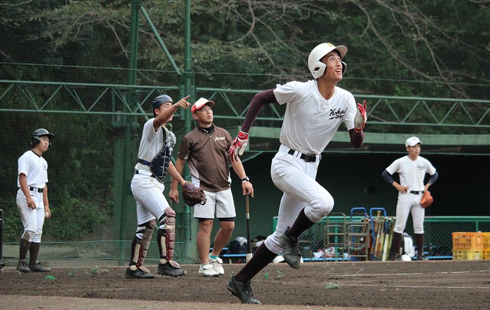 【国士舘 野球部】伝統の「ラン付きノック」